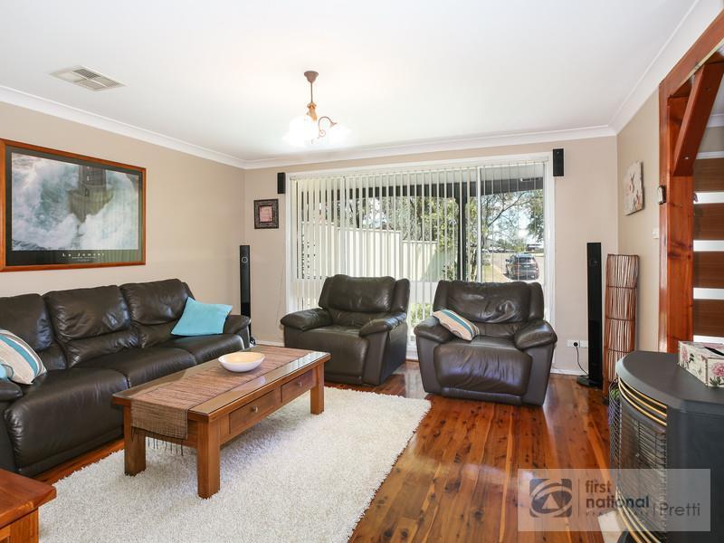 10 Wills Glen, St Clair, NSW 2759