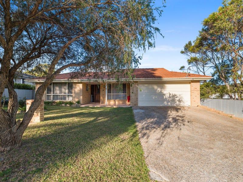 31 Arkan Ave, Woolgoolga, NSW 2456