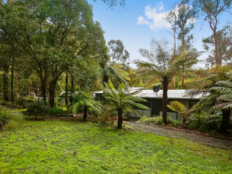 16 Wombat Crescent, East Warburton, Vic 3799