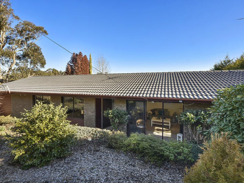 43 Valley Rd, Wentworth Falls, NSW 2782