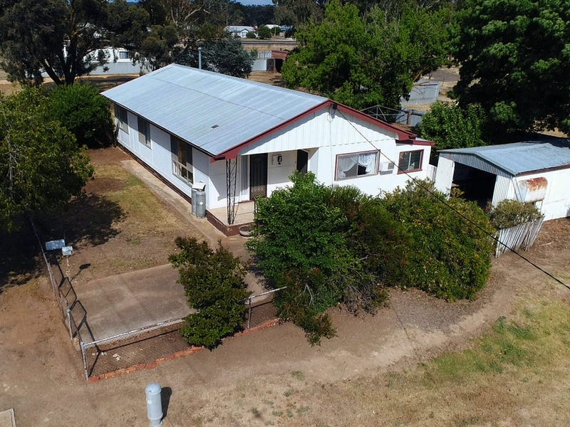 28 Tweeddale Street, Dunolly, Vic 3472