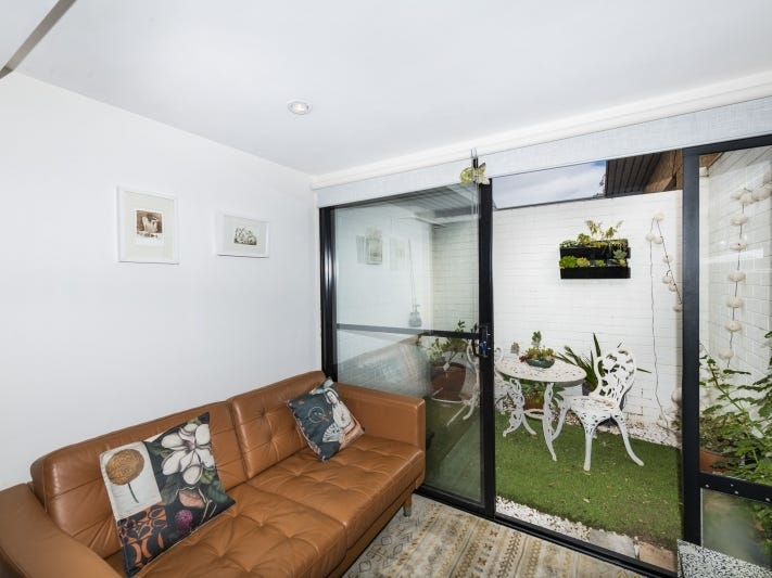 1/13 Gilmore Place, Queanbeyan, NSW 2620