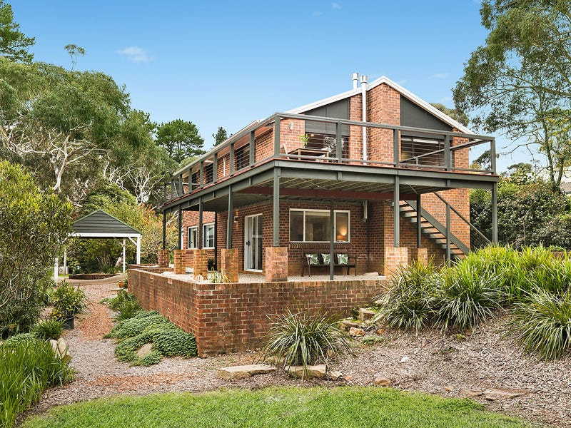 16 Waratah Road, Wentworth Falls, NSW 2782