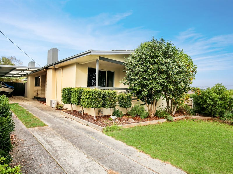 11 Blackmore Avenue, Leongatha, Vic 3953