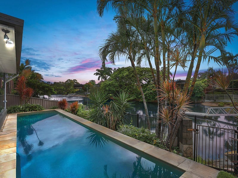 1 Pensacola Court, Broadbeach Waters, Qld 4218