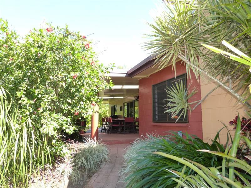 506 Bingil Bay Road, Garners Beach, Qld 4852