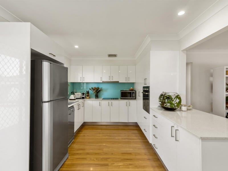 7 Ling Place, Palm Beach, Qld 4221