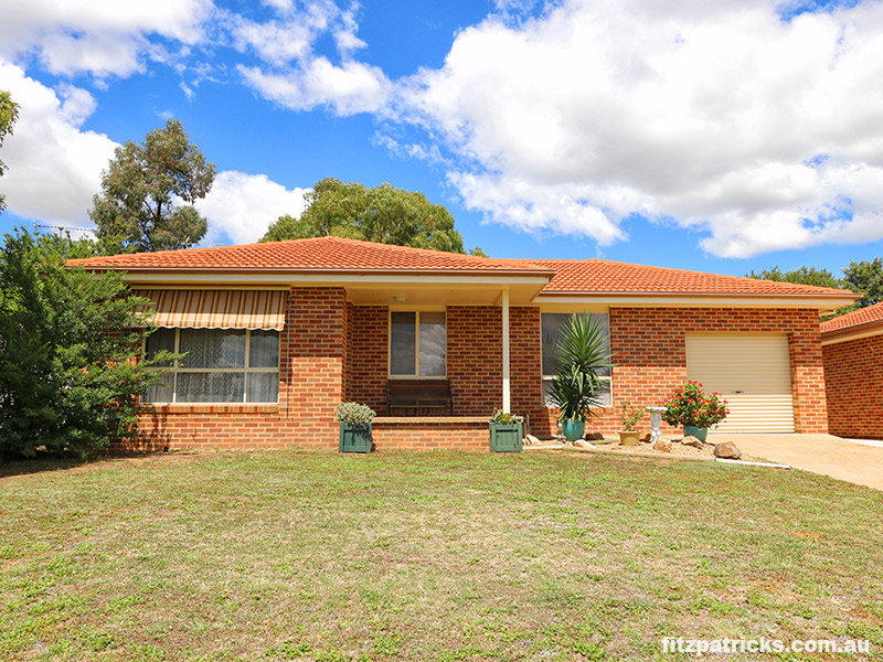 2/8 Cypress Street, Forest Hill, NSW 2651