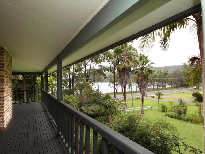 13  The Lakes Way, Tarbuck Bay, NSW 2428