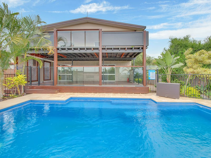 258 AUCKLAND STREET, South Gladstone, Qld 4680