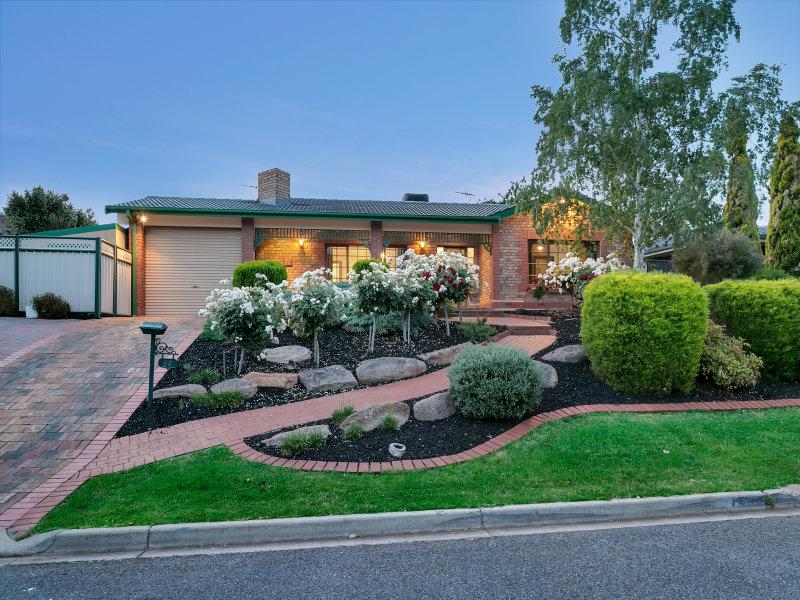 64 Kingfisher Drive, Modbury Heights, SA 5092