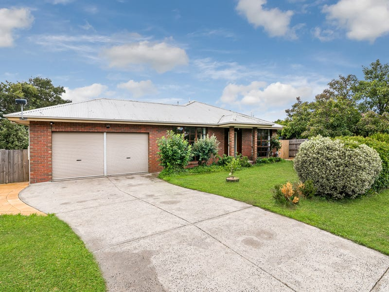 14 Manifold Road, Woodend, Vic 3442