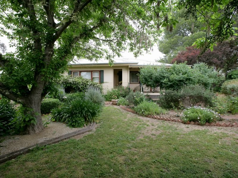 21 Benedict Avenue, San Isidore, NSW 2650