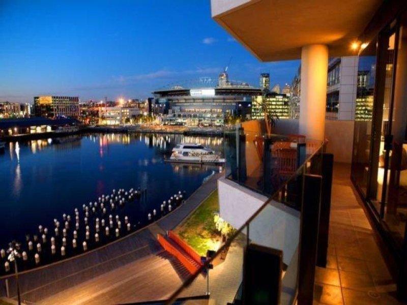 76/55 Victoria Harbour Promenade, Docklands, Vic 3008
