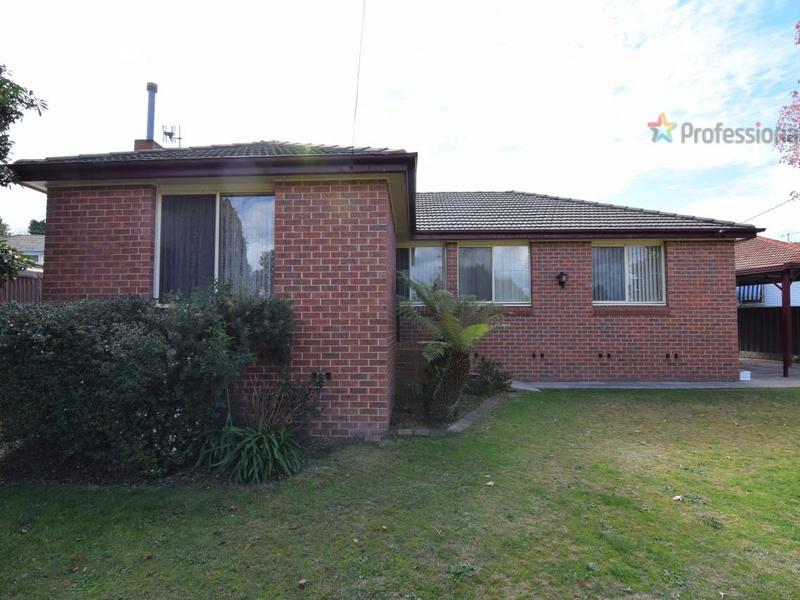 17 McGrath Street, West Bathurst, NSW 2795