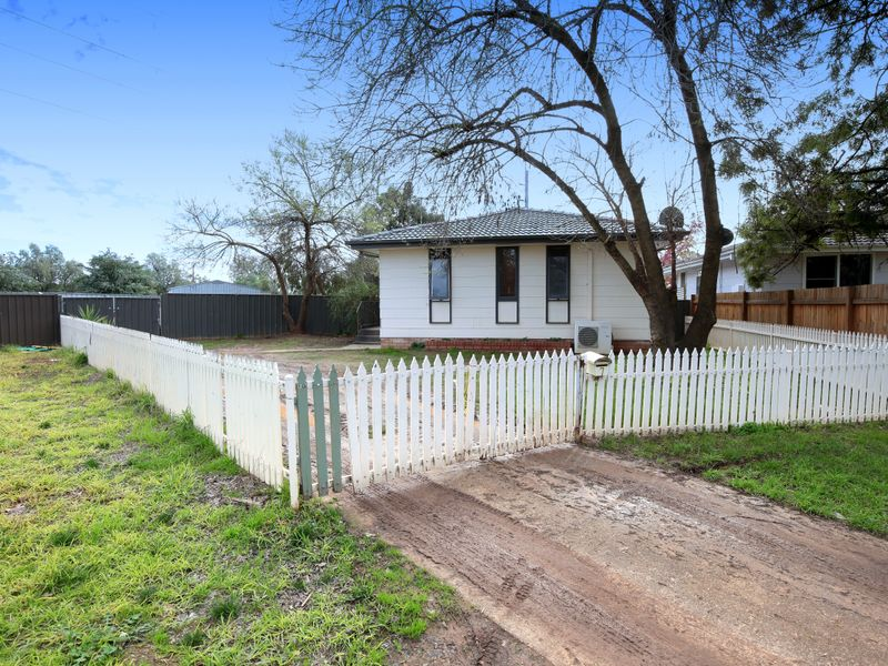 7 Edghill Place, Tolland, NSW 2650