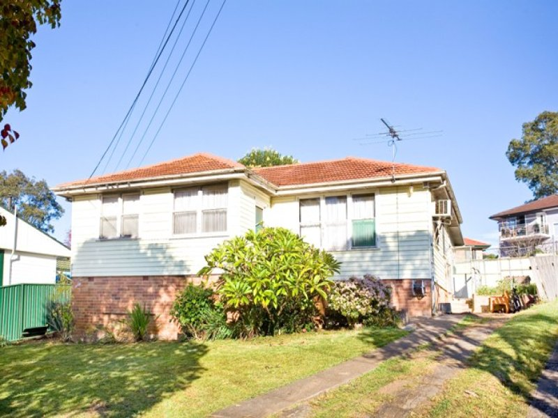 18 Devon Pl, Busby, NSW 2168