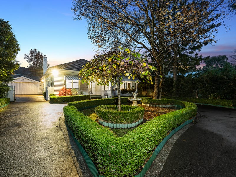 876 Mt Dandenong Road, Montrose, Vic 3765