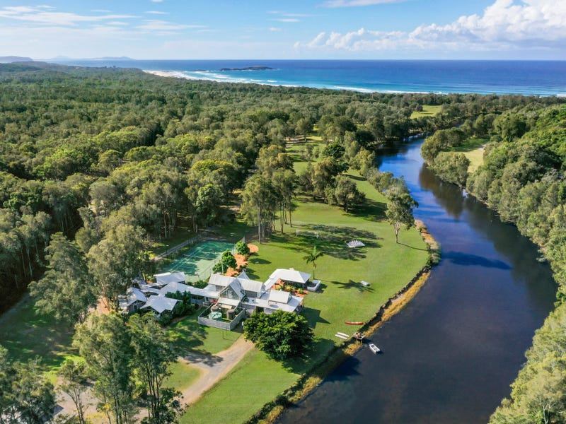 1126 Point Plomer Road, Crescent Head, NSW 2440