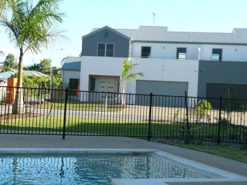 11/1 Michel Place 'Park Avenue', Telina, Qld 4680