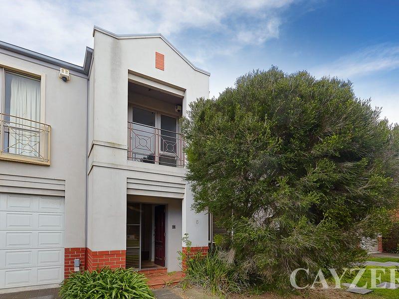 8 Canberra Mews, Port Melbourne, Vic 3207