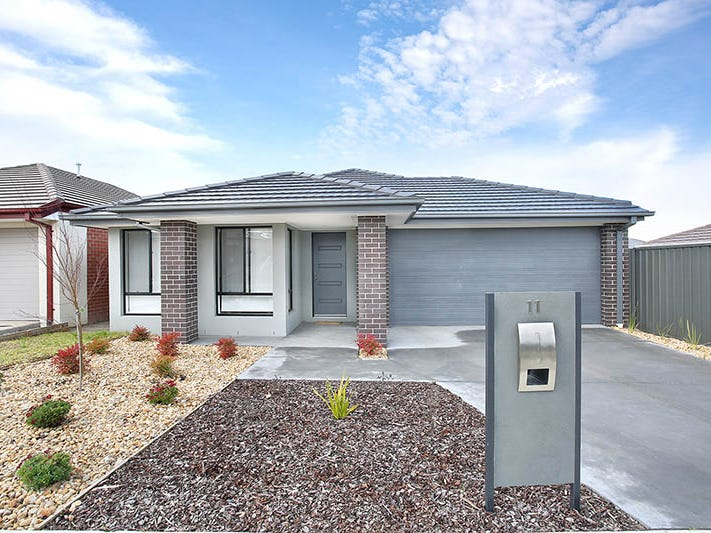 11 Celtic Drive, Cranbourne East, Vic 3977