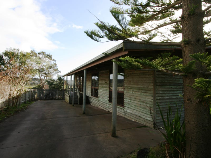 86 Red Rocks Road, Cowes, Vic 3922