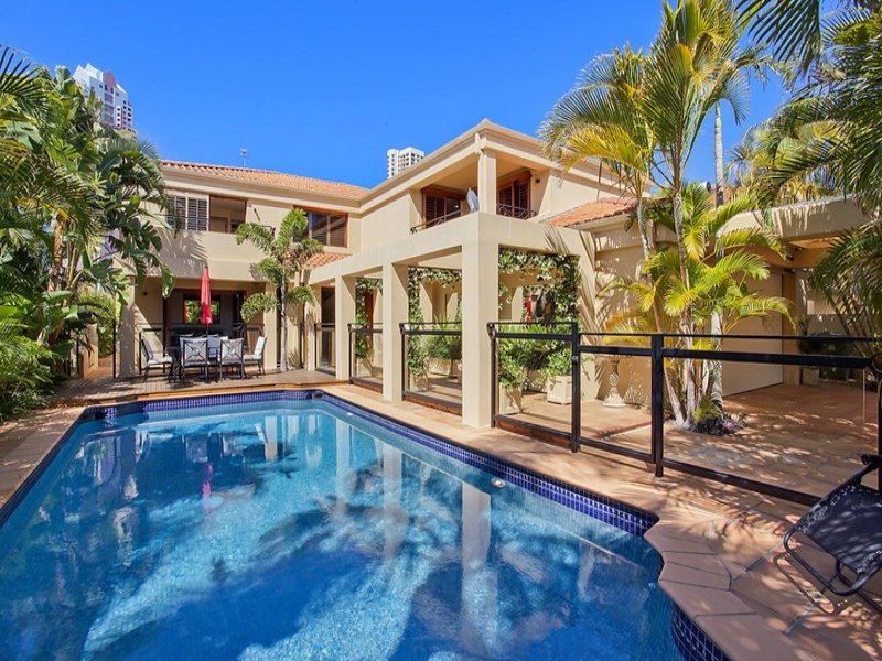 15 Seafarer Court, Paradise Waters