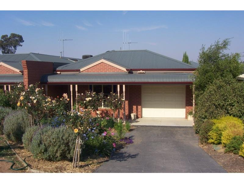 36a Harpin Street, Strathdale, Vic 3550