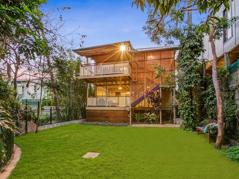 16 Harriet Street, Red Hill, Qld 4059