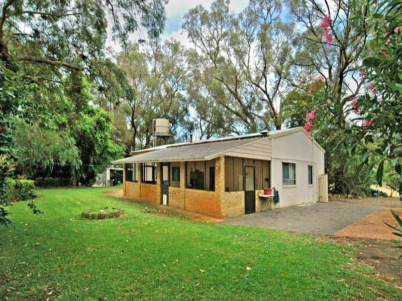 190 Bernard Road North, Carabooda, WA 6033