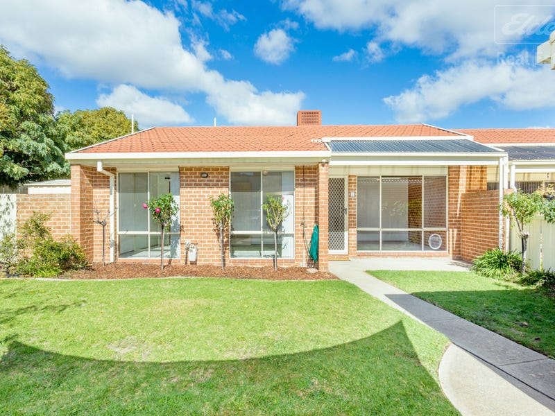 4/31 Walker Crescent, Jerrabomberra, NSW 2619