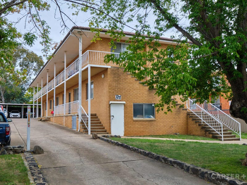2/120 Henderson Road, Queanbeyan, NSW 2620
