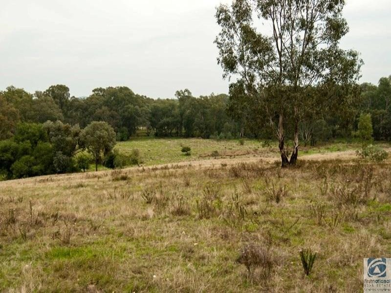 131 & 131A Franks Road, Chiltern, Vic 3683