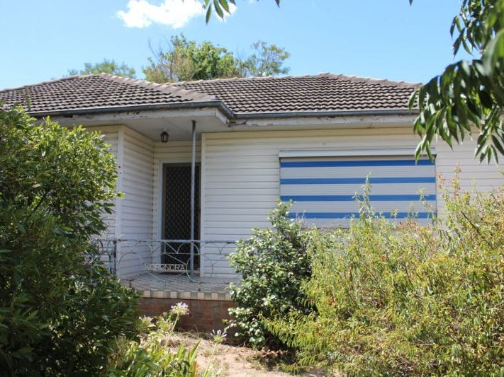 7 Cochrane Street, Kooringal, NSW 2650