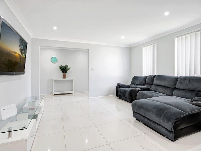 9 Woodgate Crescent, Cranebrook, NSW 2749