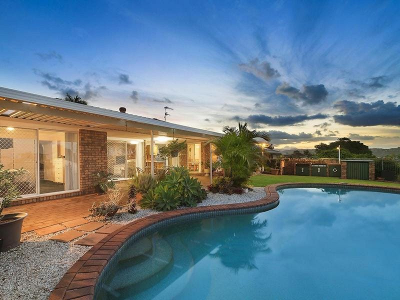 4 Oakland Parade, Banora Point, NSW 2486