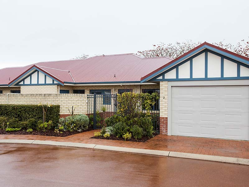 2/84 Foley Village Collick Street, Hilton, WA 6163