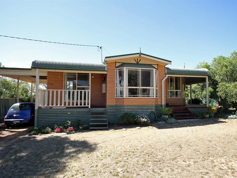 20 Luther Street, Bowning, NSW 2582