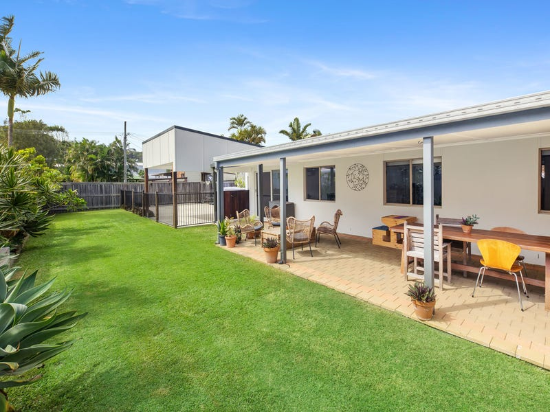 18 Centenary Heights Road, Coolum Beach, Qld 4573