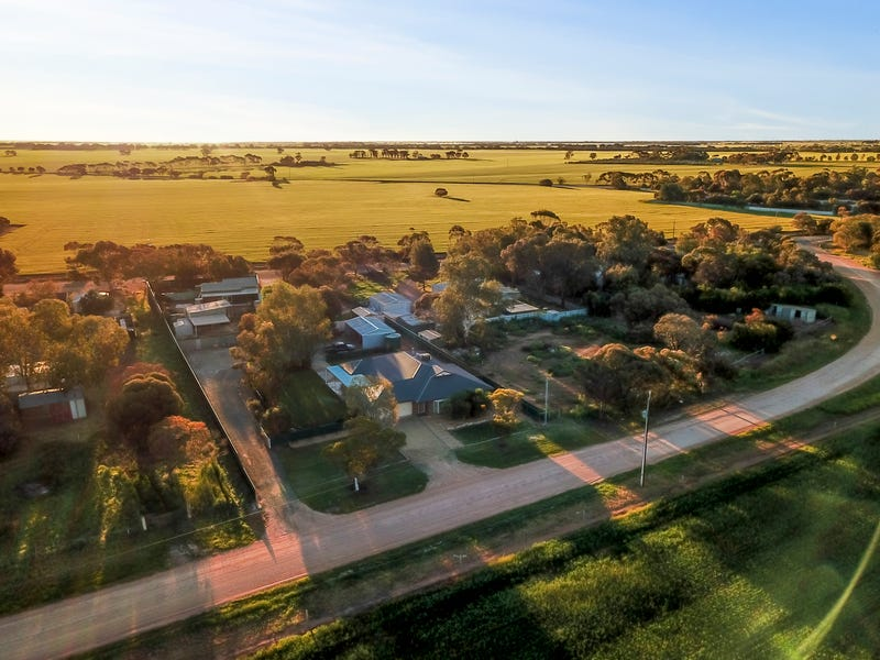 26 Hall Road, Redbanks, SA 5502