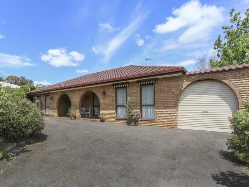 16 Francliff Avenue, Spring Gully, Vic 3550
