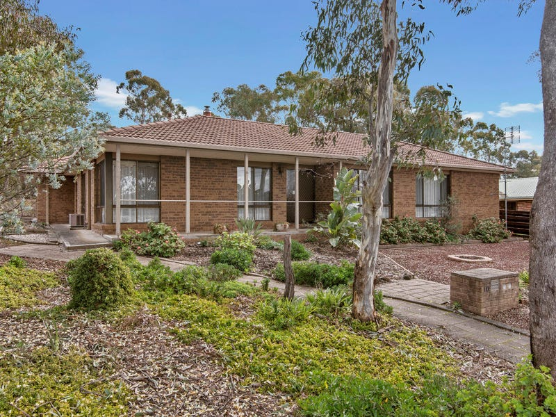 10 Timbarra Drive, Golden Square, Vic 3555