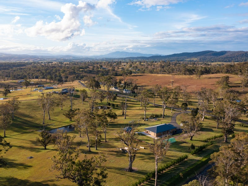 1 Newlyns Place, Bega, NSW 2550