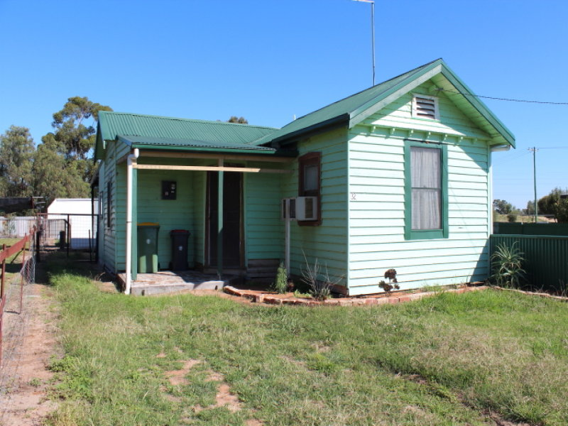 32 Brougham Street, Moulamein, NSW 2733