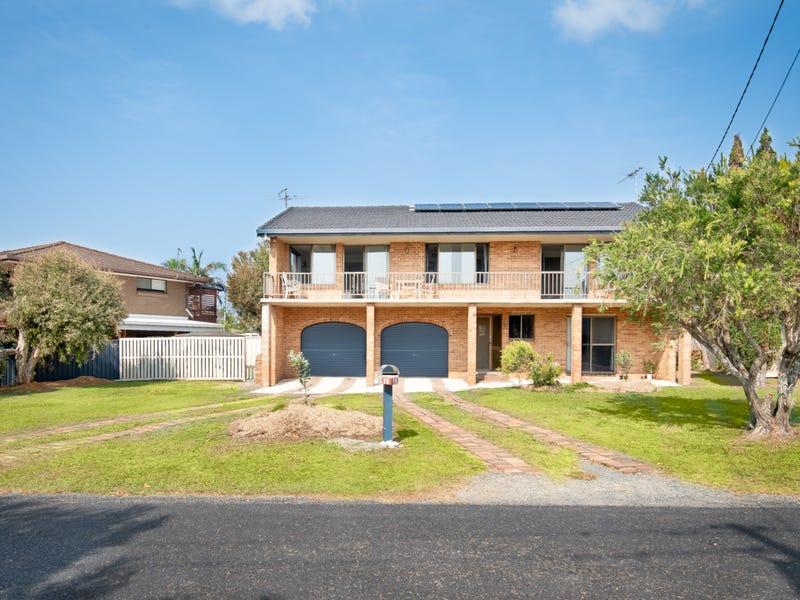 16 Fuller Street, Arrawarra Headland, NSW 2456