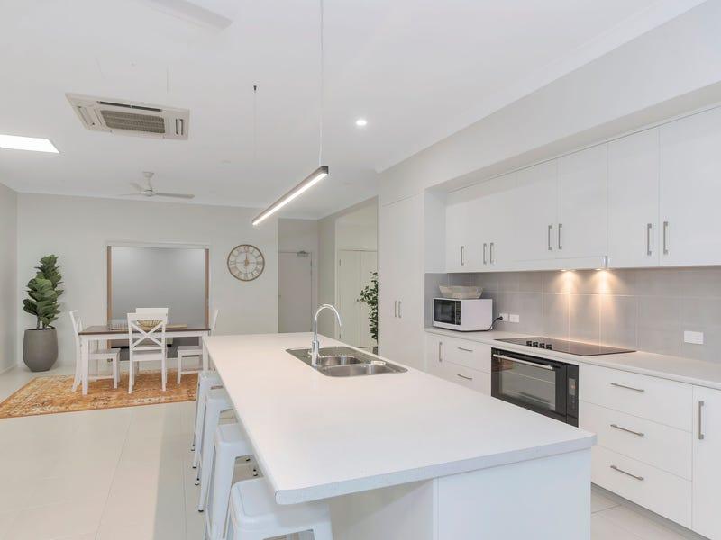 2/361 Flinders Street, Townsville City, Qld 4810