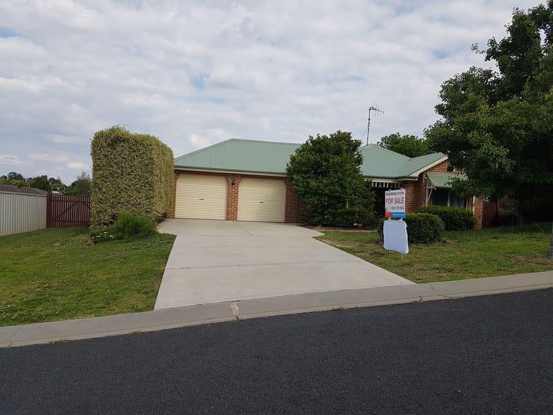 4 Ullathorne Close, Windradyne, NSW 2795