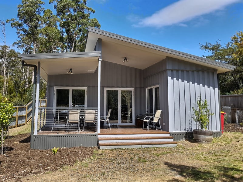 50 Cray Point Parade, Eggs And Bacon Bay, Tas 7112