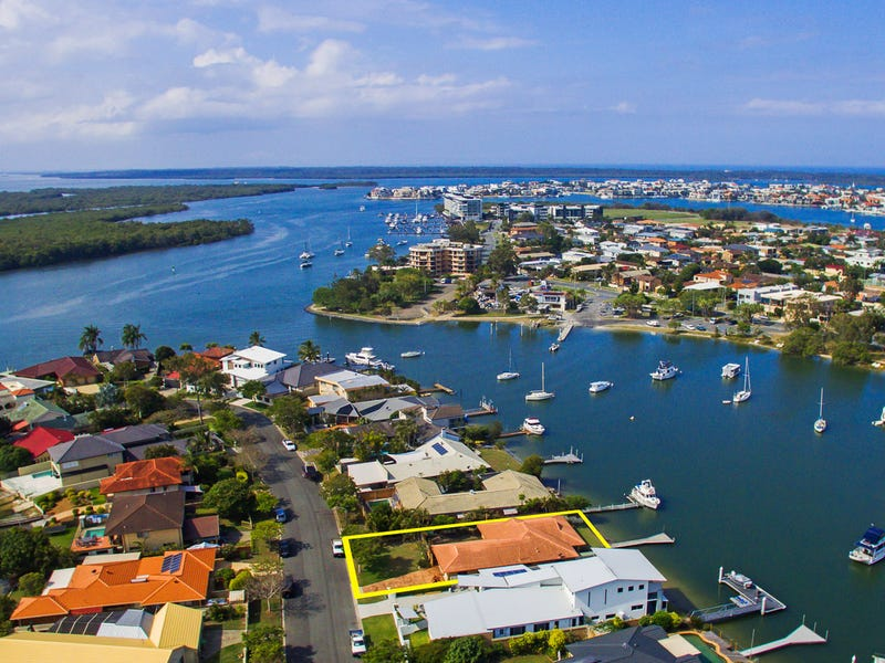 21 Lindsay Parade, Paradise Point, Qld 4216